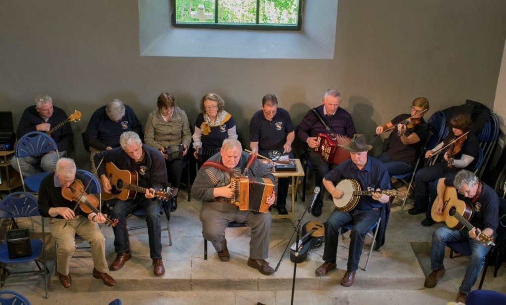 Sixmilebridge Folk Group May14